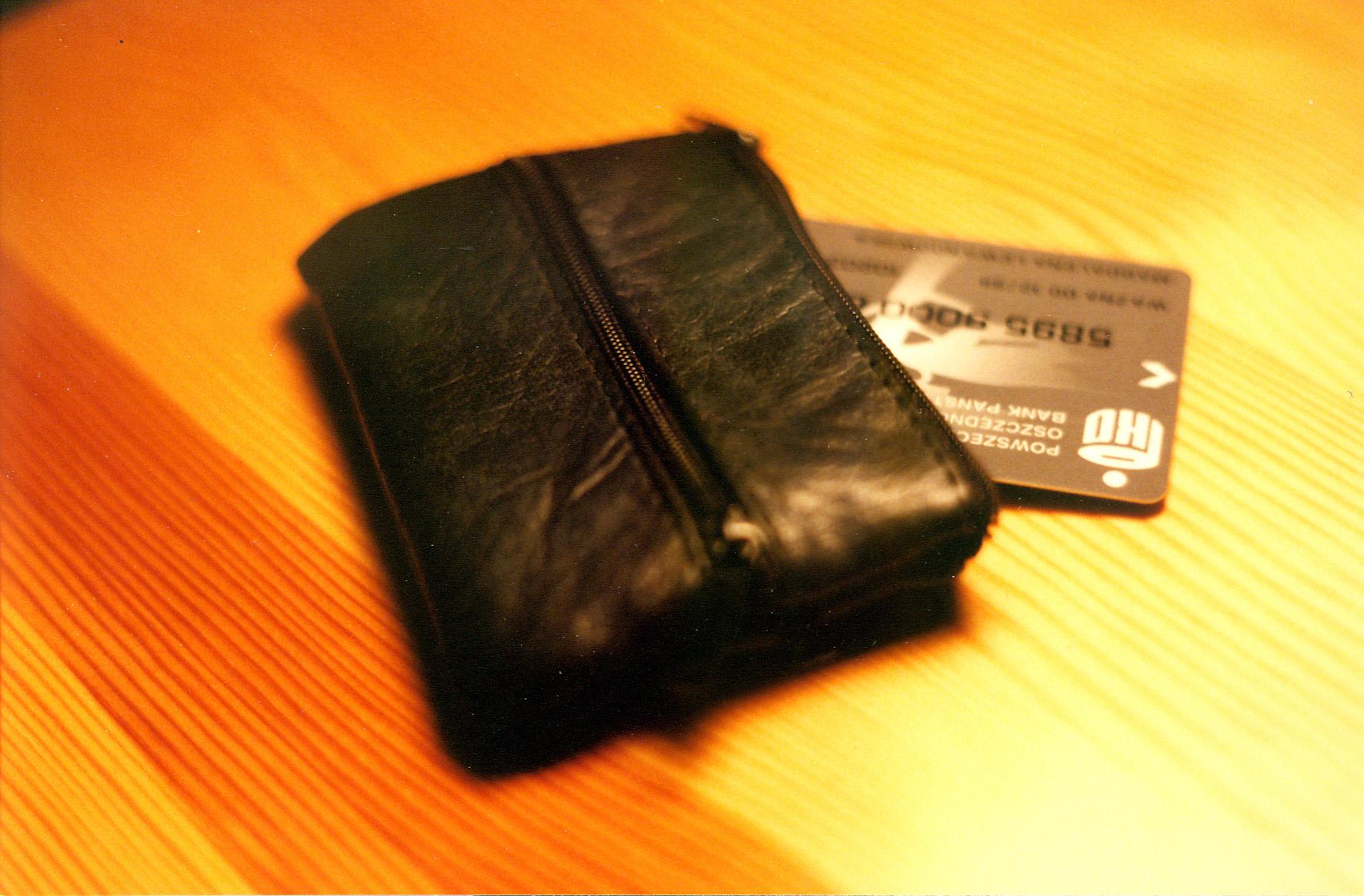 Atasi Tunggakan Tagihan Kartu Kredit