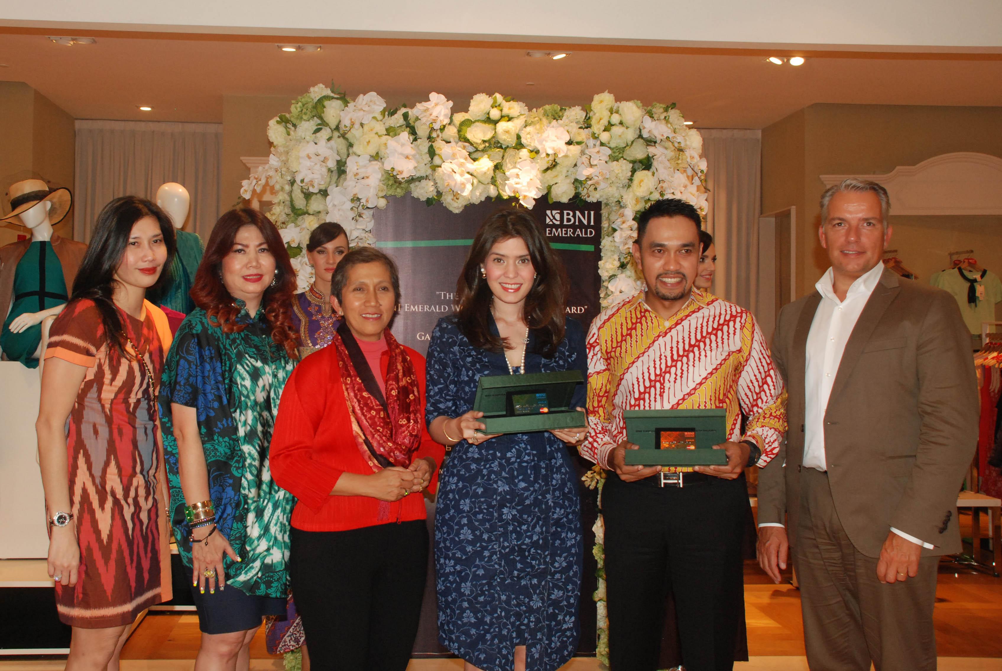 BNI Luncurkan Kartu Debit BNI Emerald World MasterCard