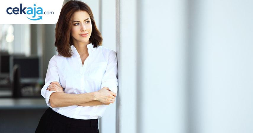 wanita karir sukses_kredit mobil - CekAja.com