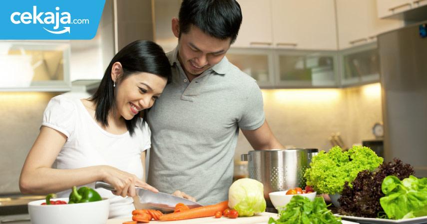 Pasangan Muda, Ini Keuntungannya Jika Kalian Melewatkan Akhir Pekan Dengan Masak Bersama