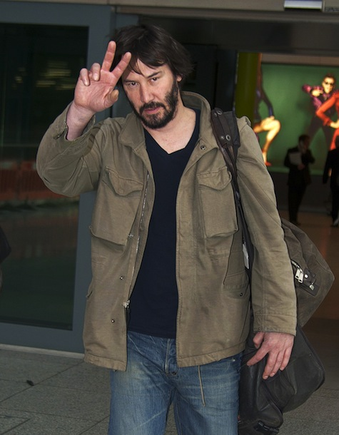 """51030417 """"The Matrix"""" star Keanu Reeves arrives on a flight at Heathrow Airport from Los Angeles on March 5, 2013 in London, England. FameFlynet, Inc - Beverly Hills, CA, USA - +1 (818) 307-4813 RESTRICTIONS APPLY: USA ONLY"""