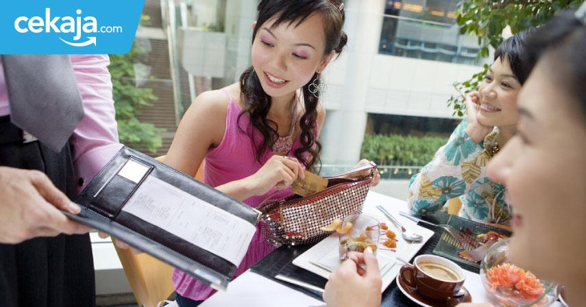 Tips Lebih Hemat Makan di Restoran Gunakan Kartu Kredit