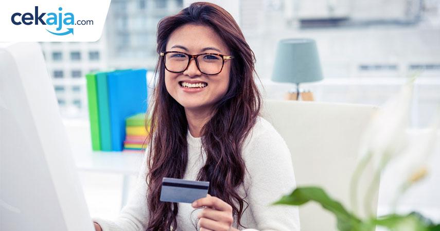 pekerja kantoran_kartu kredit - CekAja.com