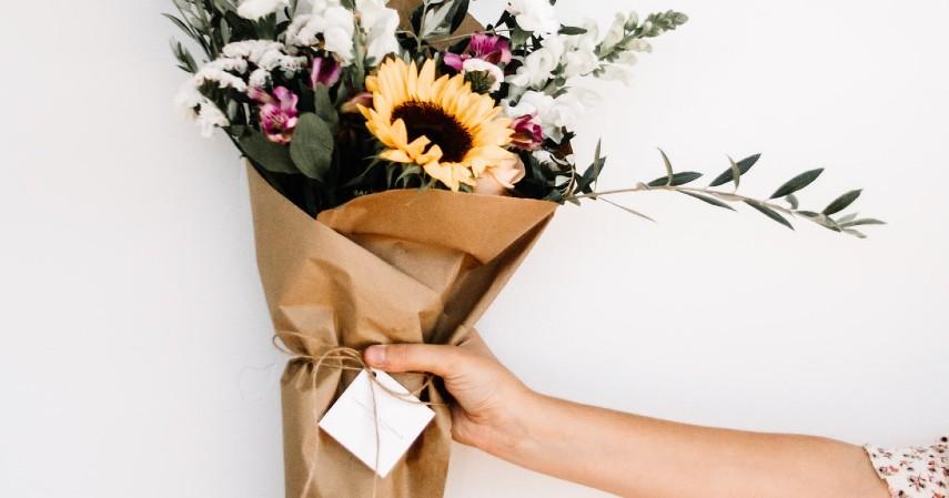 Barang Tidak Dibeli Secara Online - bunga