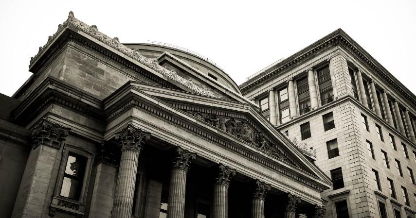 Lembaga Keuangan di Indonesia - Bank Sentral
