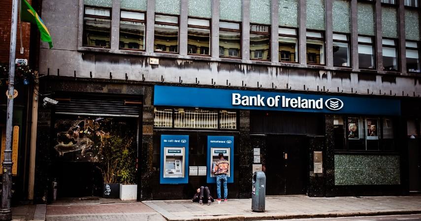 Lembaga Keuangan di Indonesia - bank umum