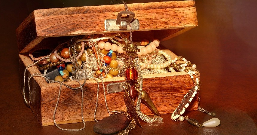 Membersihkan harta dan jiwa - 5 Manfaat Zakat yang Perlu Kamu Tahu, Apa Saja_.jpg