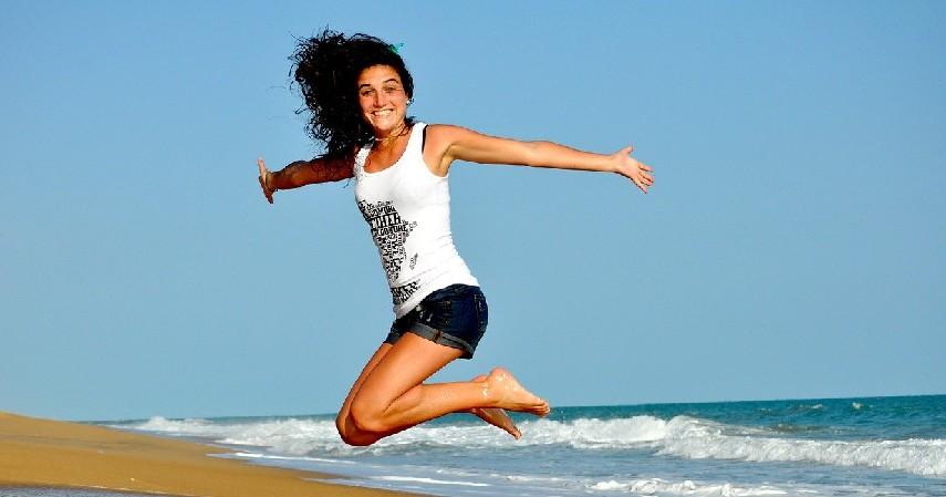 Sebagai mood booster - Pengantin Zumba Viral, Ini Manfaat Olahraga Dance Tersebut Bagi Tubuh.jpg
