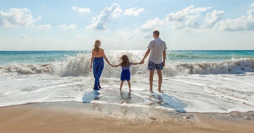 Rencanakan short getaway - Working Mom Harus Tau, Begini Cara Agar Tetap Bisa Terus Quality Time dengan Anak.jpg
