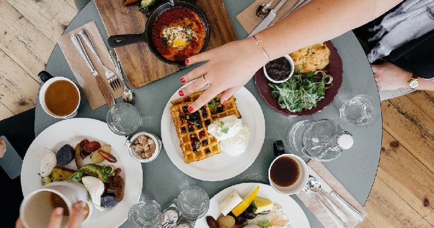 Habiskan makanan yang ada - 5 Cara Setop Belanja Mubazir Bahan Makanan