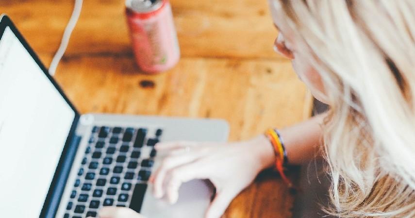 Penulis lepas - Usaha Sampingan Mahasiswa yang Bisa jadi Lumbung Uang