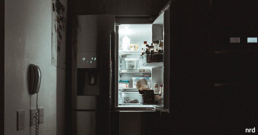 Smart Refrigerator - perangkat pintar