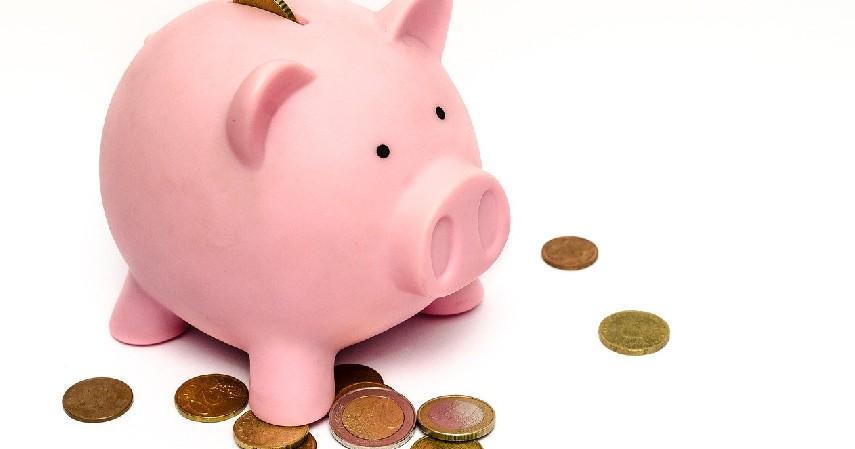 Usahakan menabung - Tips Mengatur Keuangan Buat Mahasiswa yang Jauh dari Orang Tua