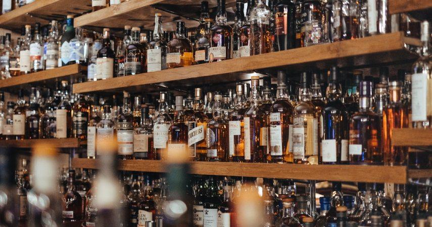 Hindari alkohol - Mencegah Serangan Stroke di Usia Muda