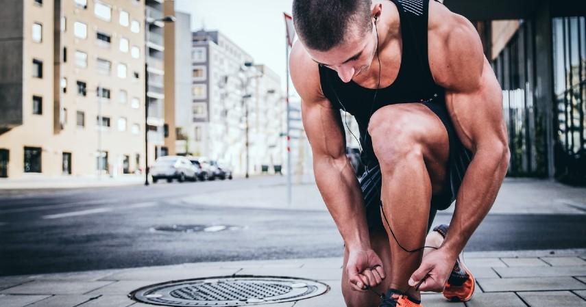 Olahraga dan gaya hidup aktif - Mencegah Serangan Stroke di Usia Muda