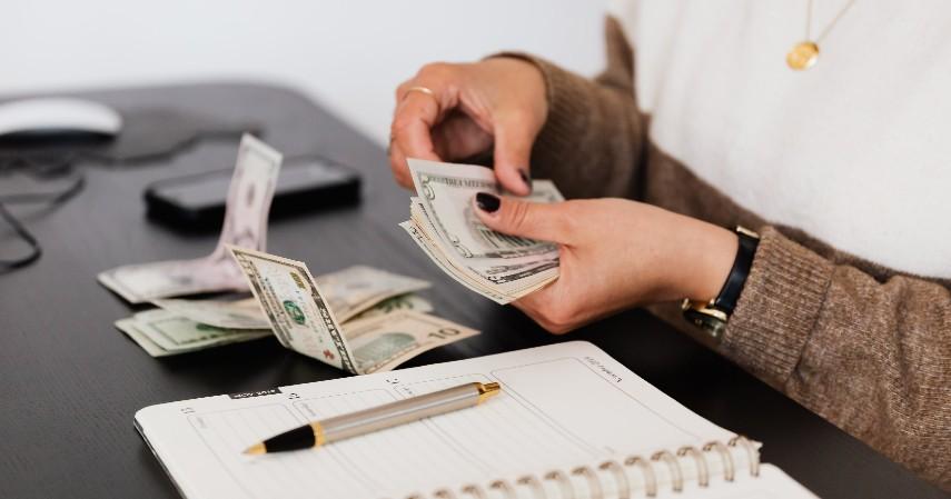 Prioritaskan mencicil utang - Cara Pinjam Uang Cepat Rp20 Juta Tanpa Jaminan