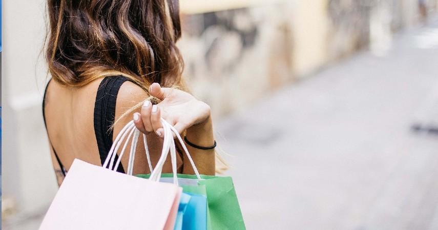 Perilaku konsumtif berlebihan - Pertimbangkan Baik-baik, Ini 5 Risiko Gunakan Pay Later.jpg