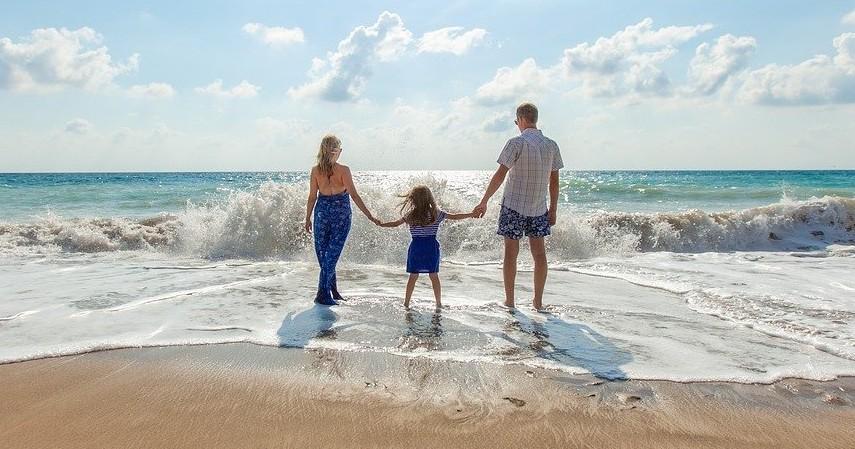 Sayang keluarga - Jadi Pribadi Lebih Baik, Ingat 5 Pesan Moral ala Film Gundala.jpg