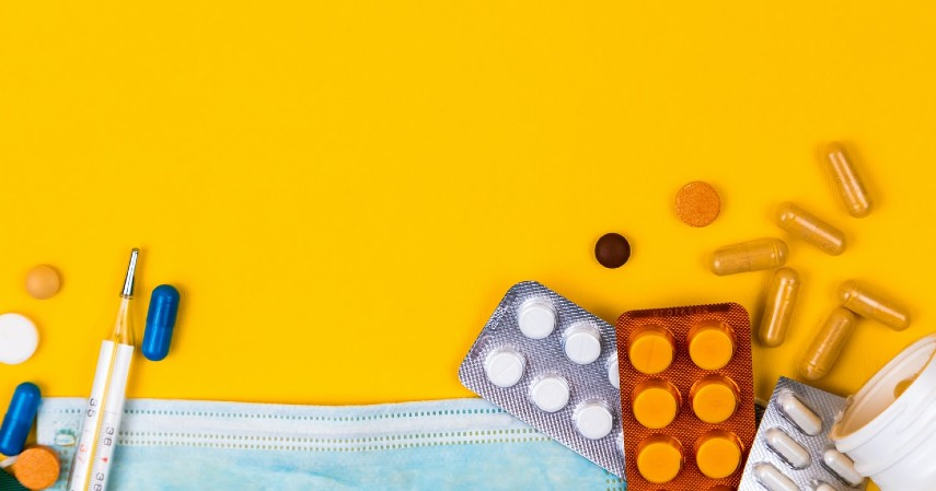 Bawa obat obatan - Tips anti Mati Gaya Saat Open Trip