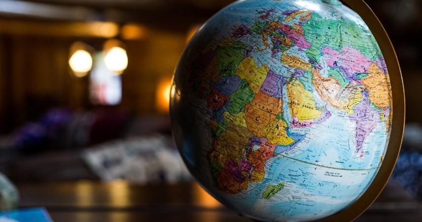 Ketidakpastian kondisi global - Hal yang Membuat Harga Emas Naik Turun