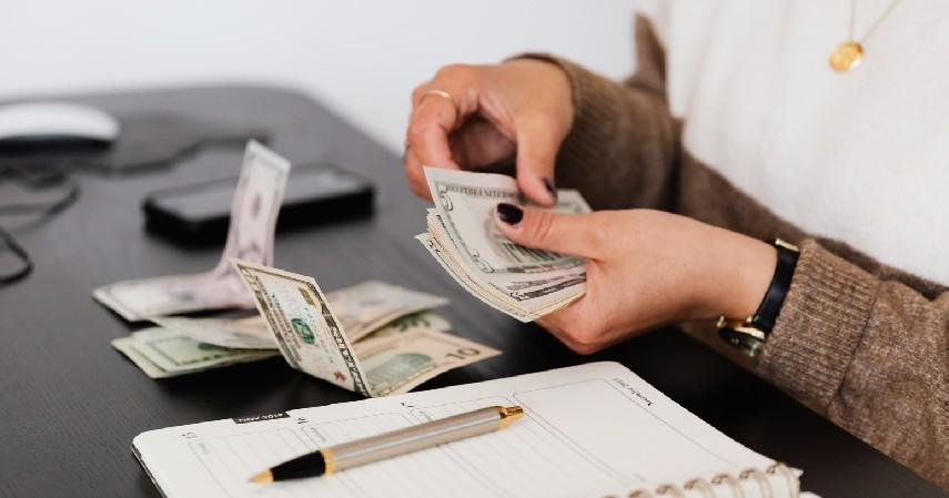 Perketat budget per bulan - Begini Cara Atur Keuangan Kalau Punya Anak Kembar