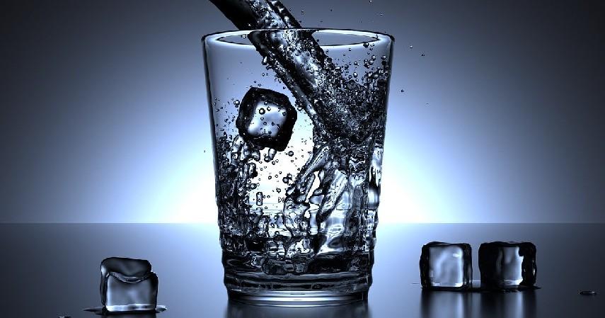 Jangan minum air dingin - Tetap Sehat Ya, Soalnya Suhu Panas Masih Melanda.jpg