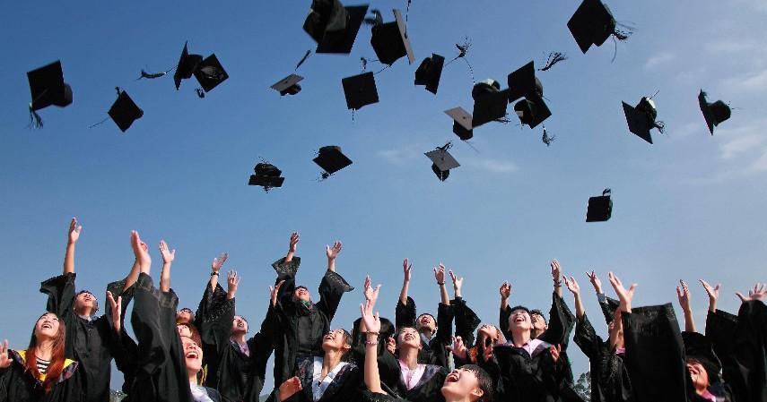 Asuransi pendidikan - Rekomendasi 5 Produk Keuangan Untuk Pengantin Baru