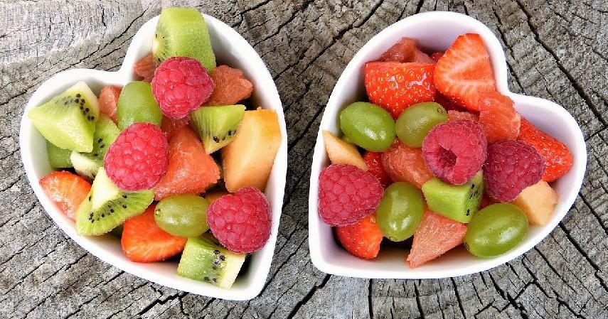 Cemil buah-buahan - Tips Beraktivitas Luar Ruang Saat Cuaca Panas Sepanjang Pekan