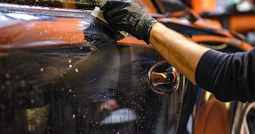 Cuci motor atau mobil - Ide Usaha Modal Cuma 2 Juta Paling Laris Saat Ini