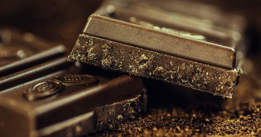 Dark chocolate - 5 Pilihan Cemilan Sehat yang Baik untuk Tubuhmu