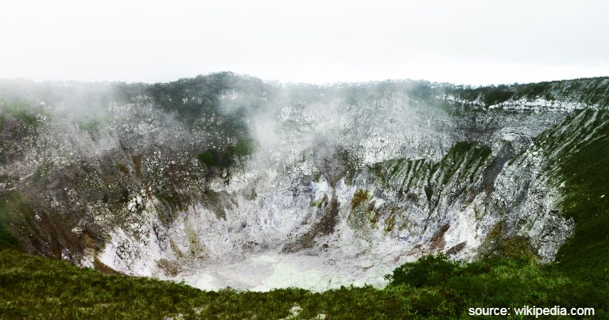 Gunung Mahawu - Menjelajah Keindahan Manado yang Bikin Meneer Jatuh Hati