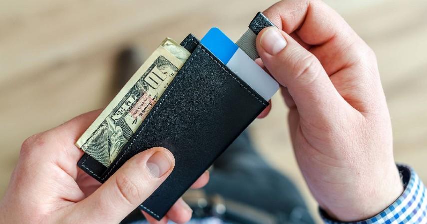Hindari mengisi saldo dalam jumlah terlalu besar - Cara Aman Transaksi dengan Dompet Elektronik