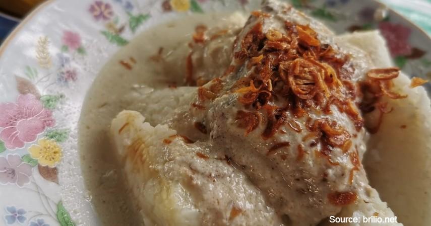 Ketupat Kandang Warung Kaum - 5 Tempat Terbaik Wisata Kuliner Enak dan Murah di Banjarmasin yang Wajib Kamu Kunjungi