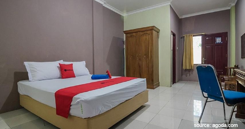 RedDoorz near Samarinda Square - Pilihan Hotel Murah untuk Keluarga di Samarinda Mulai dari 90 ribuan