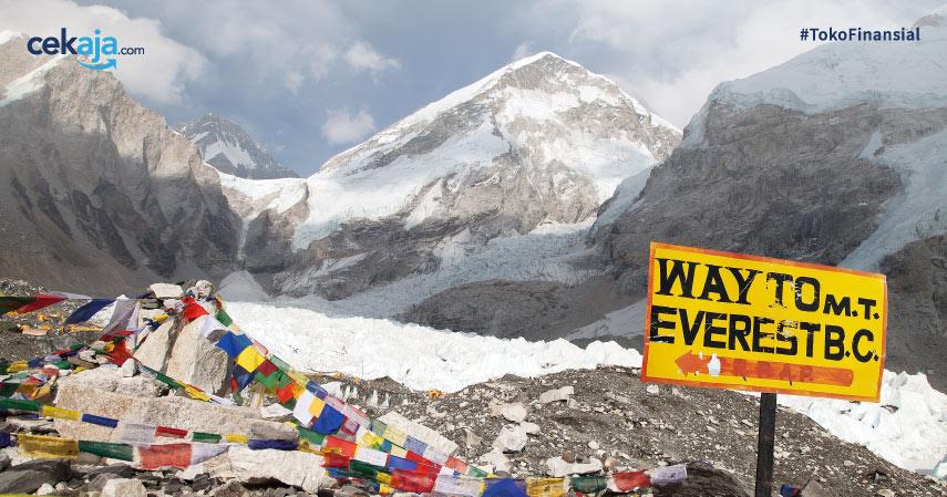 Segini Biaya Mendaki Gunung Everest Hingga Jika Meninggal Pun Bayar