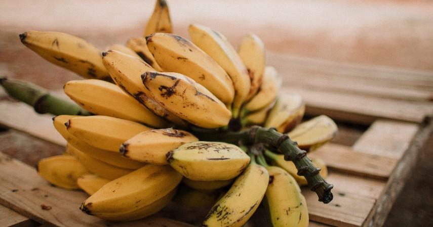 Pisang - Jenis Makanan untuk Penderita Asam Urat, Apa Saja.jpg