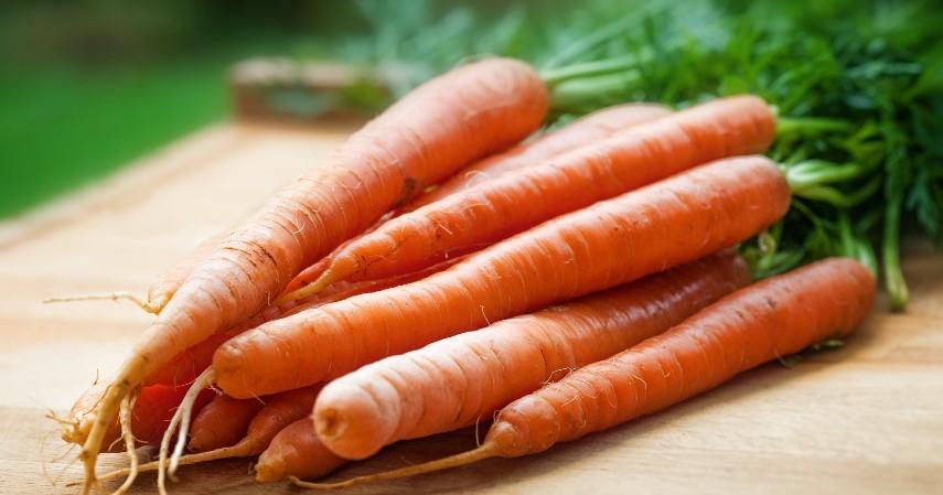 Wortel - Jenis Makanan untuk Penderita Asam Urat, Apa Saja.jpg