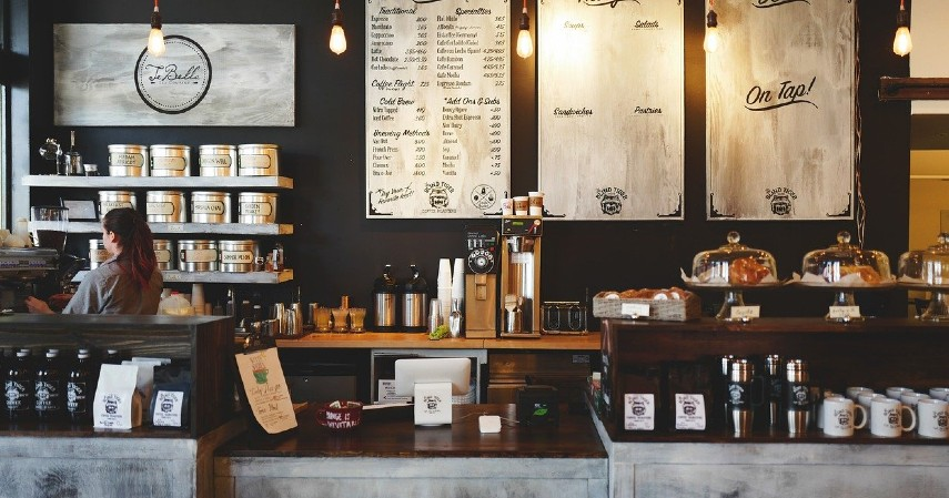 Kedai kopi - Peluang Usaha Musim Hujan, dari Kuliner Sampai Laundry.jpg