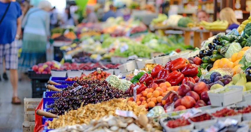 Belanja di Pasar Tradisional - Cara Berhemat Uang Belanja Harian yang Wajib Kamu Coba