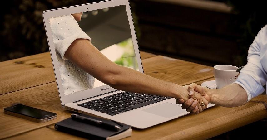 Berikan pelayanan lebih - Jurus Jitu Hasilkan Uang dari Bisnis Jastip! (1)
