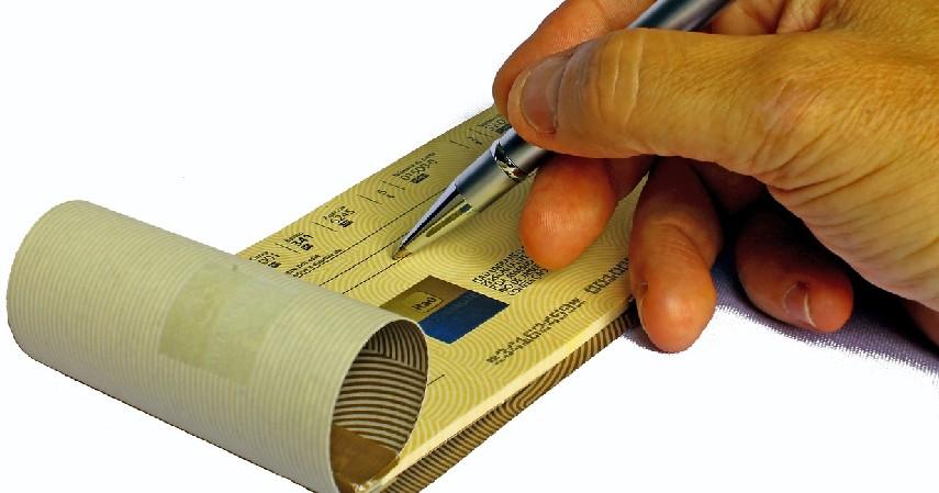 Cek - 11 Alat Pembayaran Internasional untuk Transaksi Dagang Dunia