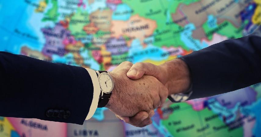 _Diplomat - Pekerjaan Jurusan Ilmu Hukum Paling Keren Bergaji Tinggi