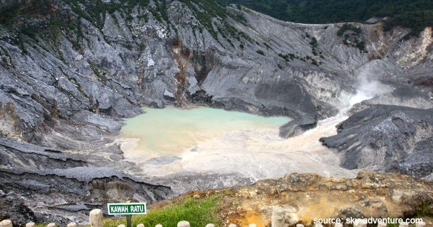 Gunung tangkuban perahu - Tempat Wisata Paling Banyak Dikunjungi di Bandung dan Sekitarnya