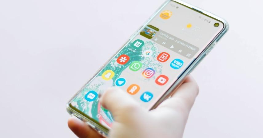 Hapus aplikasi yang bikin candu - Tips Mengurangi Penggunaan Gadget Biar Hemat dan Pikiran Fresh