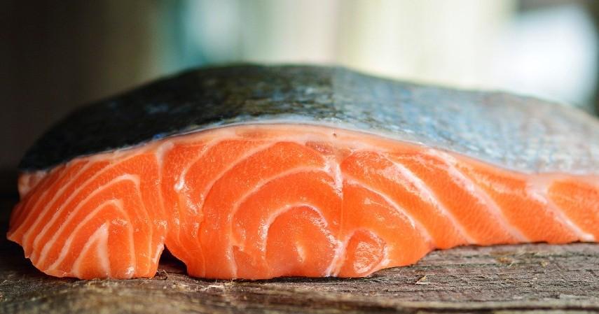Ikan Tuna dan Salmon - 10 Makanan Penenang Pikiran dan Hati Bermanfaat Lawan Stres