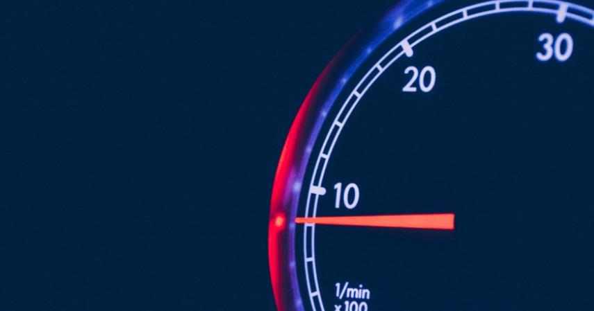 Jaga Putaran Mesin - 6 Cara Menghemat BBM Agar Tak Boros Bahan Bakar dan Uang