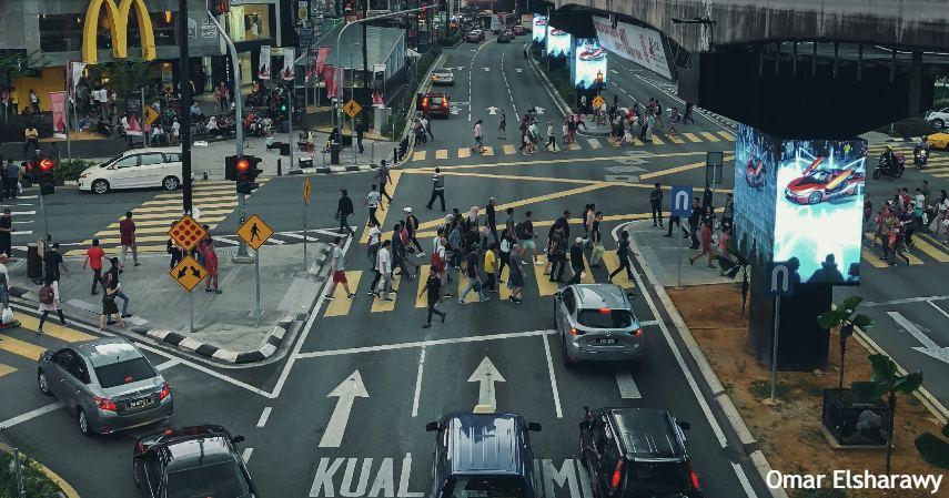 Pakai transportasi umum