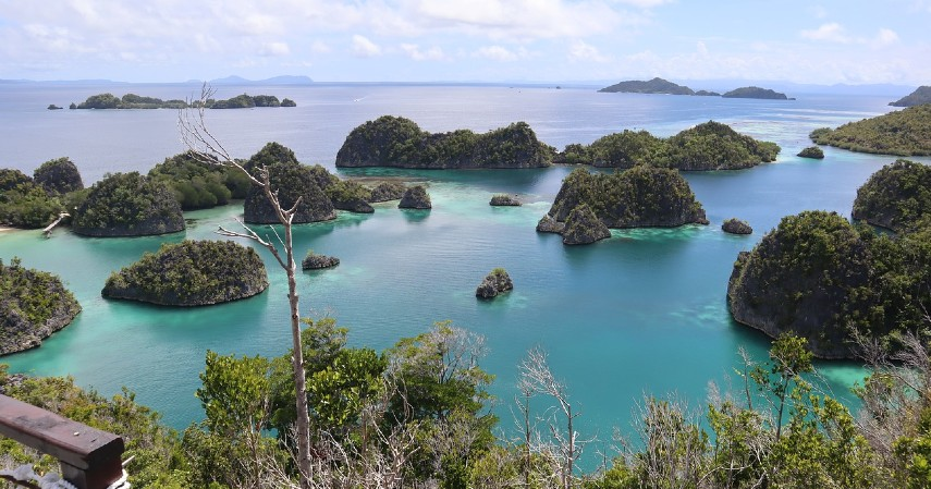 Papua Barat ni 8 Destinasi Wisata di Indonesia Paling Hits di Medsos!