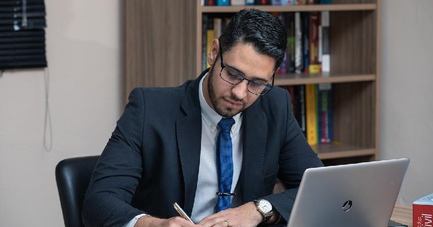 Pengacara - Pekerjaan Jurusan Ilmu Hukum Paling Keren Bergaji Tinggi