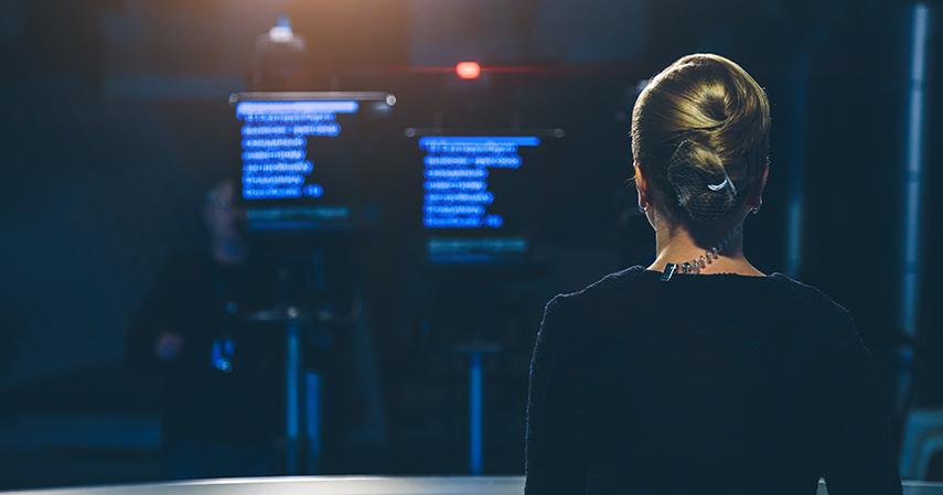 Penyiar berita - Pekerjaan Jurusan Vokasi yang Paling Dibutuhkan di Industri